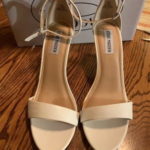 Steve Madden Fantsie sandals new